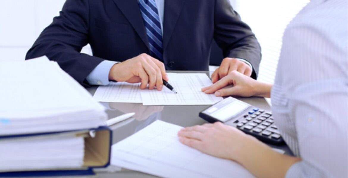 Planning To Hire A Financial Consultant? Here Are Some Quick Tips!