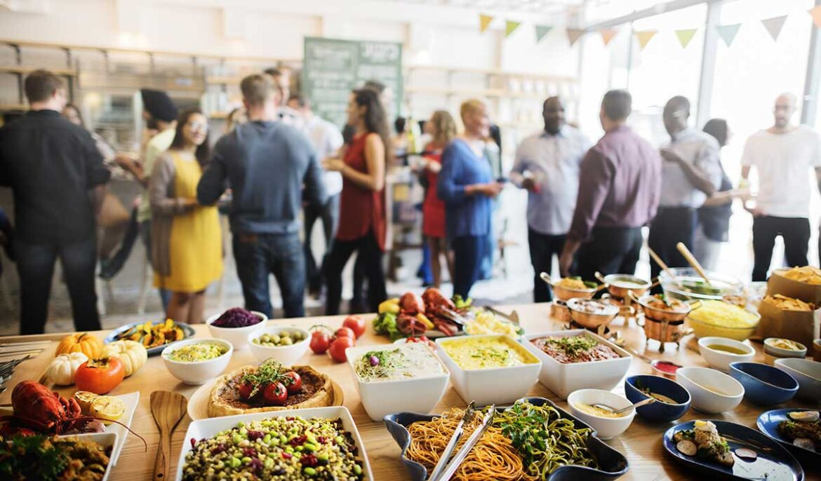 How Party Catering Services Turns Into A Big Birthday Party Saviour